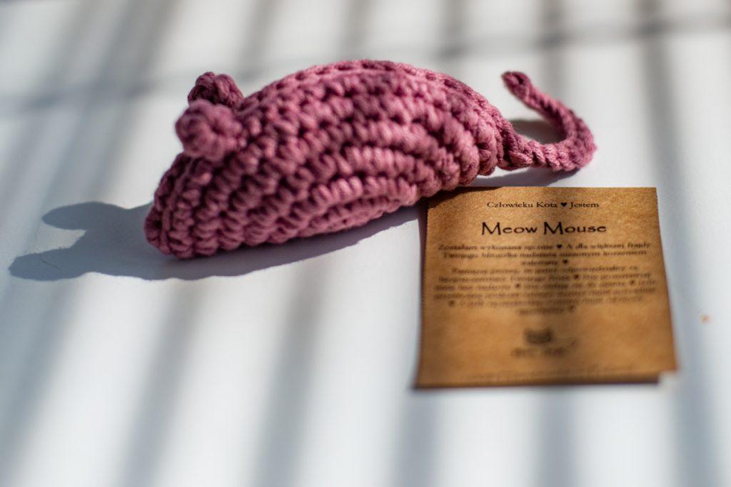 zabawki dla kota - szydełkowa myszka